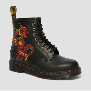 Dr martens leather dragon embriodery 1460 boots
